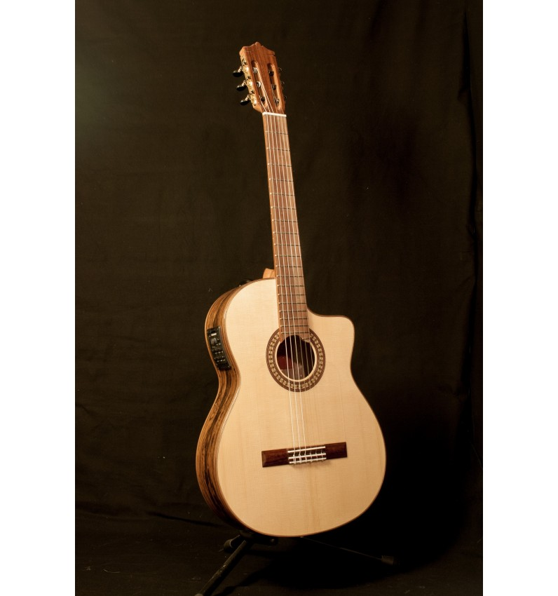 Martinez MFG-RS CE Guitarra Flamenca Palosanto EQ Fishman PSY-301