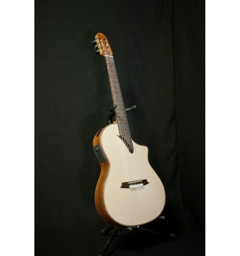 Guitarra Martínez Thinline MSCC-14RS