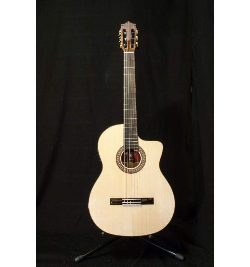 Martinez MFG-AS CUT EF, Guitarra flamenca con previo Fishman PSY301